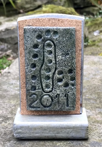 2011 Idol Stone